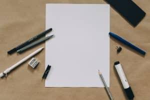 papiers et crayons